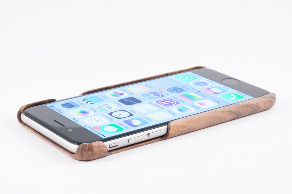 funda-de-madera-de-nogal-de-iphone-6