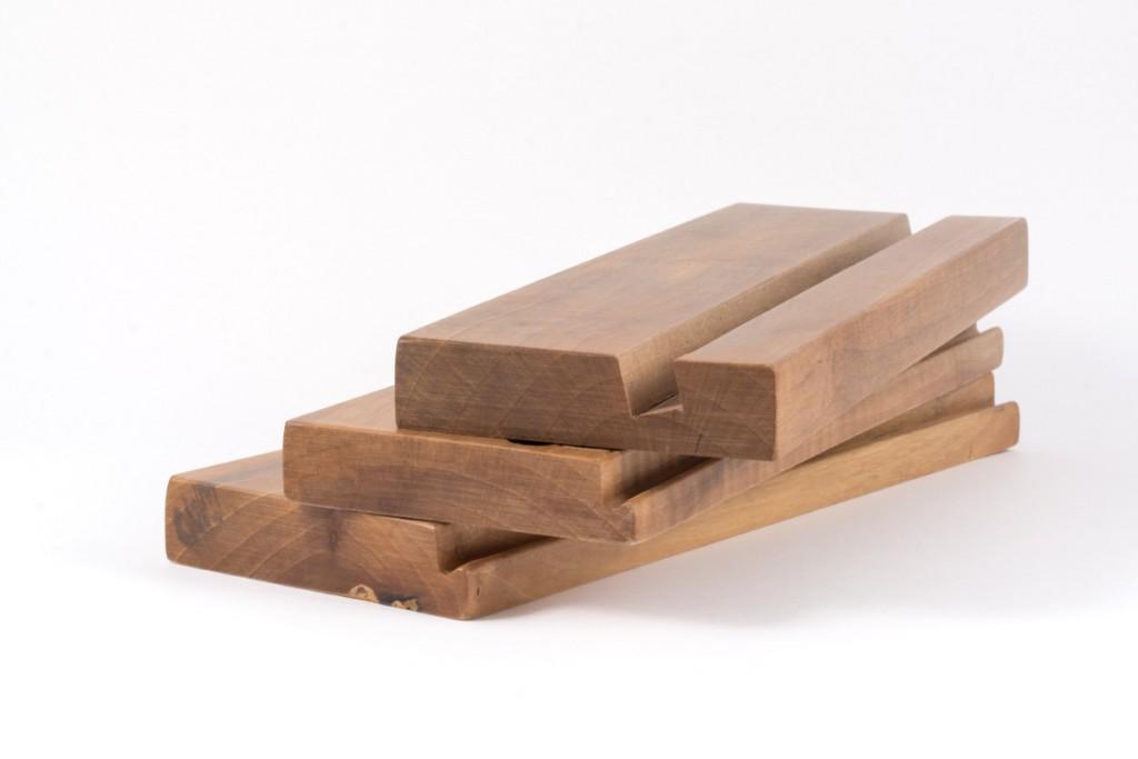 iPad and Tablet Walnut Wood Holders (straight model) Woodna: Maderas Naturales