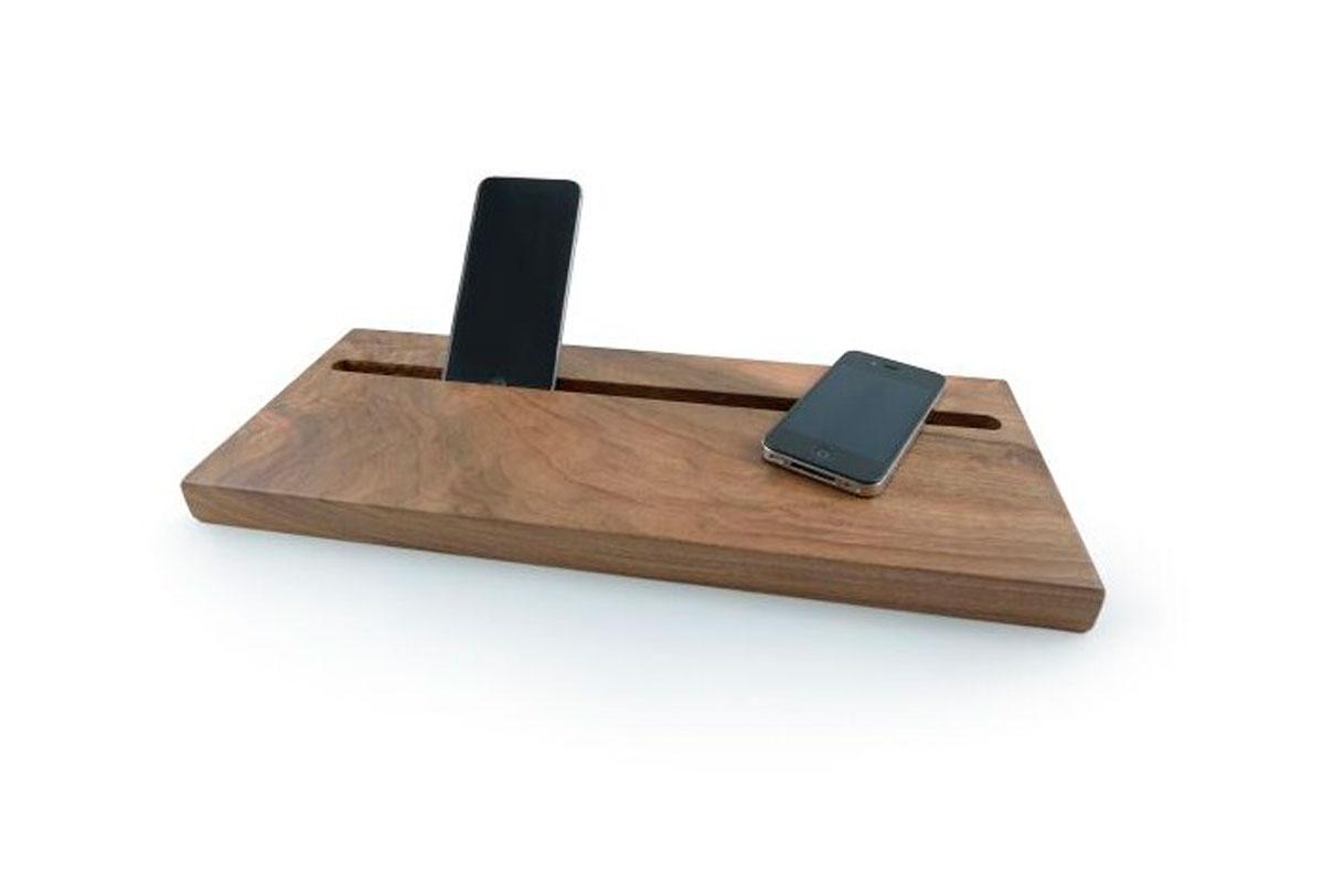 Balda tecnológica en madera de nogal