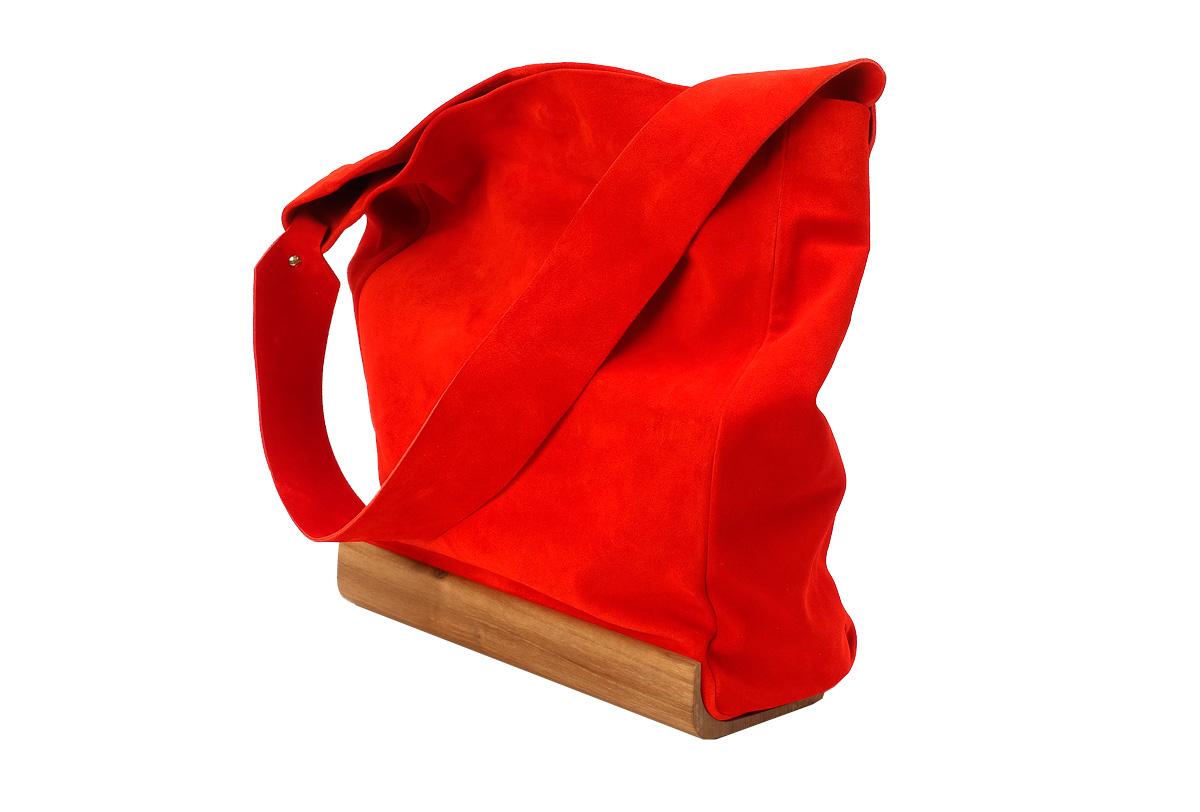 Bolso de nogal Cubo Woodna by Ulises Merida productos de madera